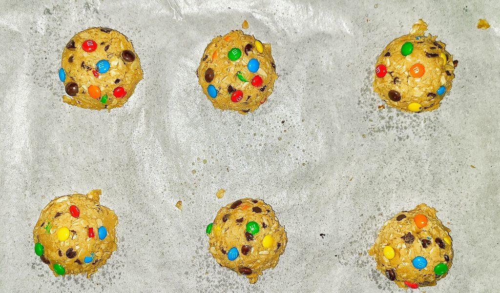 monster cookie, cookie dough
