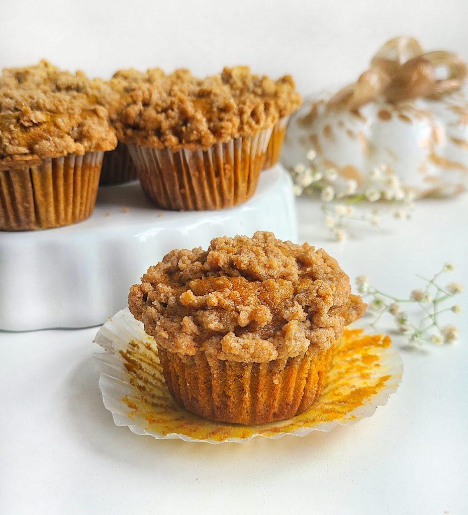 pumpkin crumb muffins